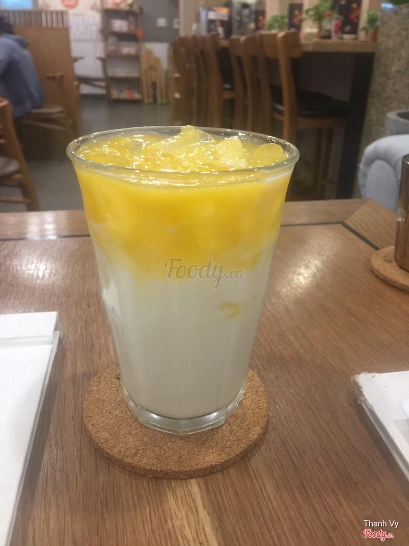 Mango Greek Yogurt