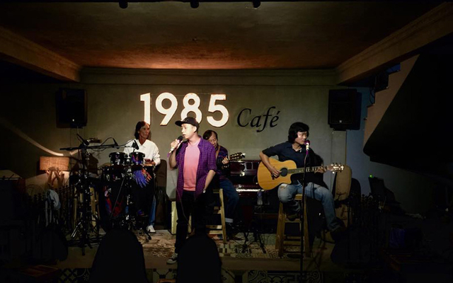 1985 Coffee - Live Music