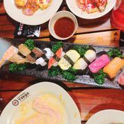 sushi ngon và đẹp mắt :))