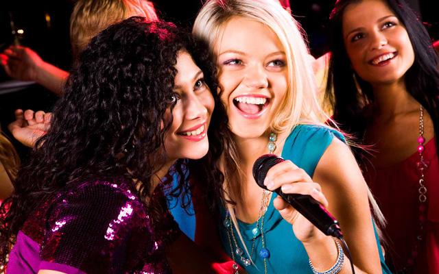 Karaoke Âu Việt - Nguyễn Quý Đức