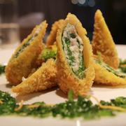 Cá diêu hồng cuộn cải xanh