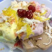 Hương vị tuổi thơ , dừa và đậu phộng ngon cực, kem thì chỉ có vị cam và dâu mình ko thích ăn lắm , chắc do khẩu vị :)