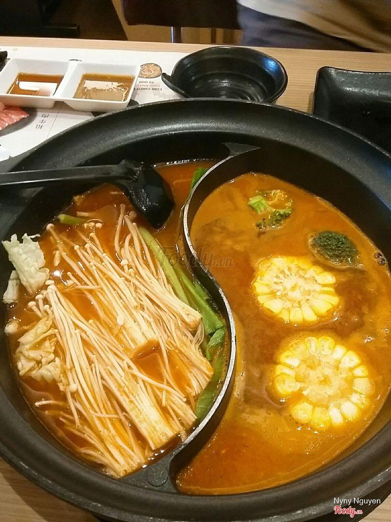 Lẩu kimchi rau củ 😂
