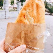 Bánh mỳ sốt bơ