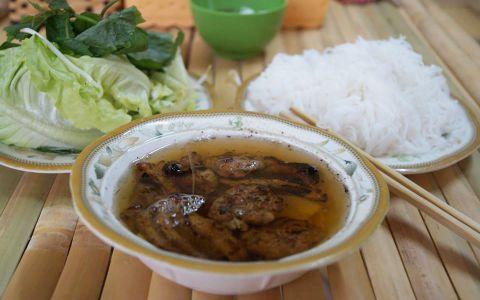 Hẻm ăn uống 18A Nguyễn Thị Minh Khai