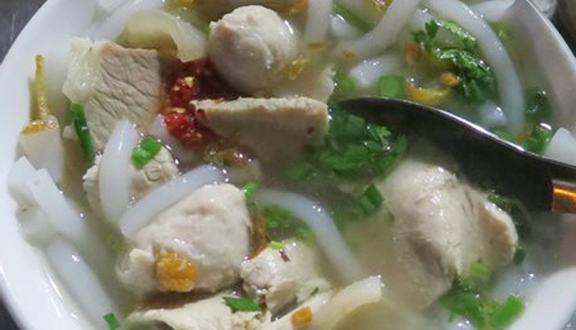 Bánh Canh Bà Tám - Quang Trung