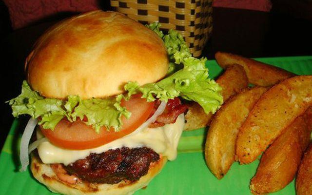 Winston's Burgers & Beer - Trần Hưng Đạo