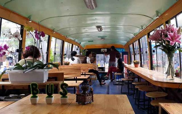 OTO Cafe 2 - Hoàng Quốc Việt