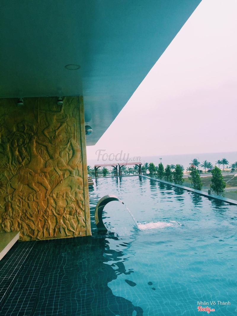 Hồ bơi có view nhìn ra biển