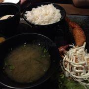 Cơm cá hồi sốt terriyaki