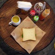 sandwich phô mai thịt nguội