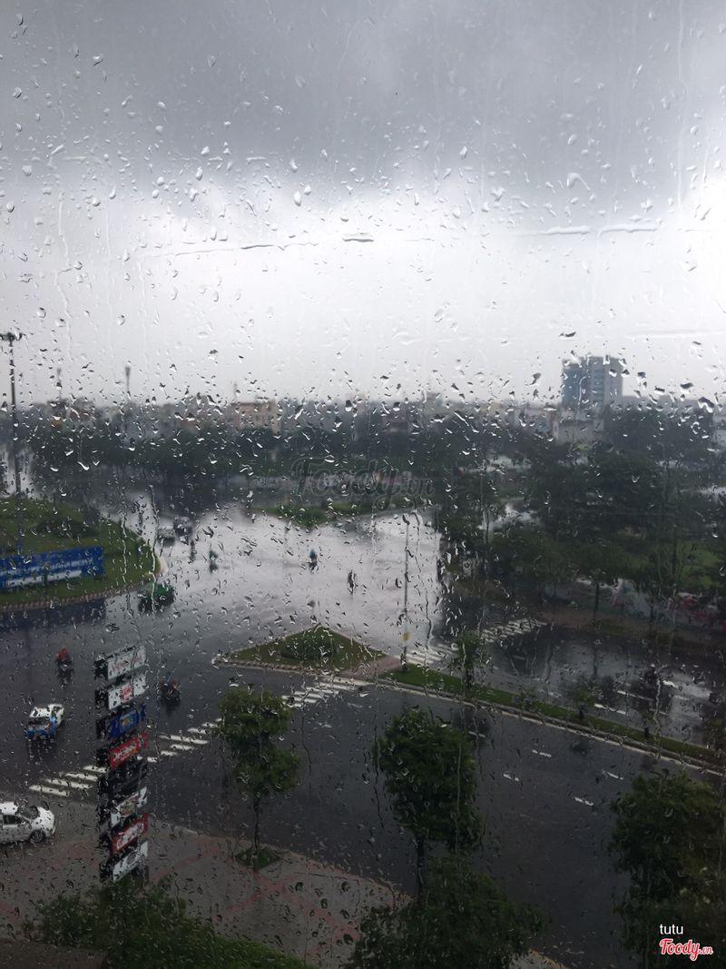 View ngày mưa