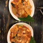 Bánh goạ truyền thống và bánh gạo hải sản