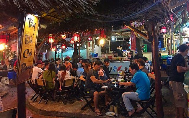 Hoa Sơn Tửu Lầu - Nguyễn Thị Nhỏ