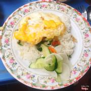 Cơm sườn trứng