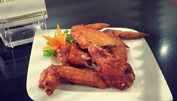 Confidant Restaurant & Bar - Món Singapore