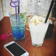 Soda Blue Sky và Macadamia