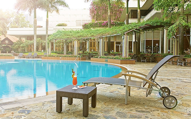 Tropicana Pool Bar & Eatery - Lotte Legend Saigon Hotel