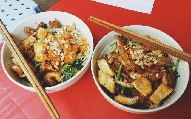 Ngọc Dung - Cháo Lòng & Bánh Đa Trộn