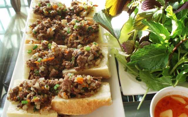 Bánh Mì Hấp - Cô Giang