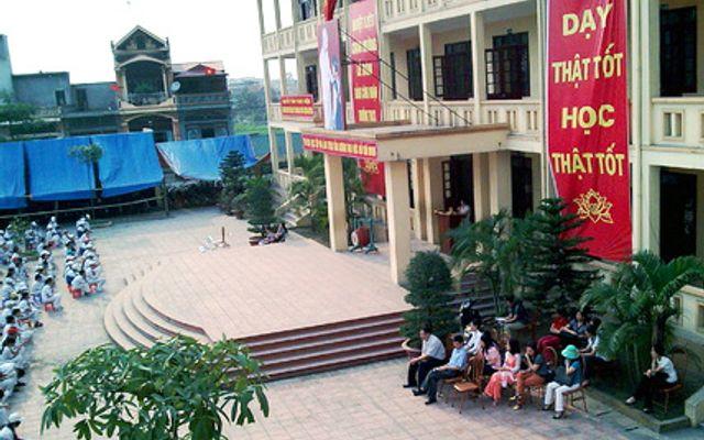 Trường THCS Trần Quốc Toản - Quang Trung