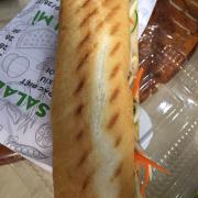 Bánh mì Gà xé