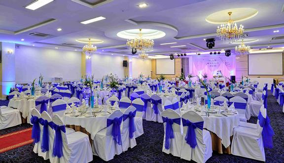 Unique Wedding - Phạm Văn Hai