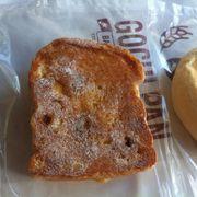 Sanwich kem nho đen