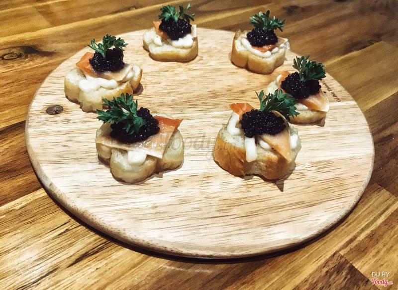 Trứng cá tầm đen Nga, món này ra ngoài giá gấp 2-3 lần, nhưng chất lượng chị chủ làm rất ngon