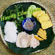 Bún đậu mắm tôm chả cốm với nguyên liệu được vận chuyển từ Hà Nội và do chính tay cô chủ Hà Nội chế biến.Đã ăn món Hà Nội phải do nươời Hà Nội chế biến chứ nhỉ ^^