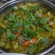Canh cải chua nấu sườn