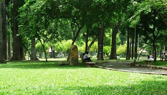 Công Viên Phú Lâm