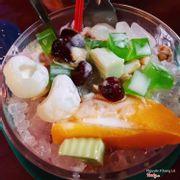 Trái cây xô sữa chua ăn quá ngon,trái cây thì nhiều vô kể ăn mệt nghĩ luôn,trái cây sắc hơi to nên ăn miếng nào miếng nấy là ngán luôn