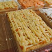 👑👑Bánh bông lan trứng muối Mup's Cake size hình chữ nhật . 🍰🍰Làm theo công thức bánh Nhật Bản, nguyên liệu homemade không chất bảo quản, cốt bánh mềm, xốp, thành phần chính là bột mì và trứng gà tươi, không xài bột nỡ vì vậy bánh cho vào tủ lạnh không bị khô, cứng. . 💵GIÁ: #75K . 🍀🍀Kích Thước: #ngang20cm #dai8cm #dày3cm . 🍀🍀Cân nặng khoảng #4OOgram . 🍀🍀Trang trí xen kẻ 3 hàng trứng muối với 2 hàng phô mai bò cười 😋😋😋 . 🍀🍀Dùng kèm với 3 loại sốt là #Bơ , #Cheese & #Kimsa . 🔔🔔ORDER TRƯỚC 1 NGÀY ĐỂ ĐƯỢC PHỤC VỤ TỐT NHẤT . 🚚🚚GIÁ SHIP [4K/KM] . 🔔🔔Order 0915094796 (viber, sms, zalo, call) hoặc facebook.com/mupcake - Inbox nếu không thấy rep thì cả nhà để lại sđt, Múp sẽ liên lạc lại sau
