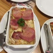 Cơm đút lò hams & cheese