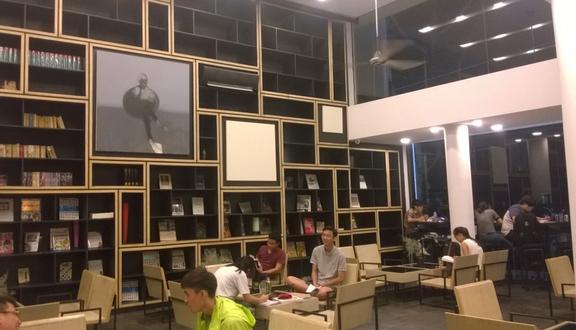Nhà Sách Cá Chép - Nguyễn Thị Minh Khai
