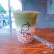 Golden bubble matcha latte