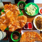 bánh tráng nướng chợ Cố Đạo