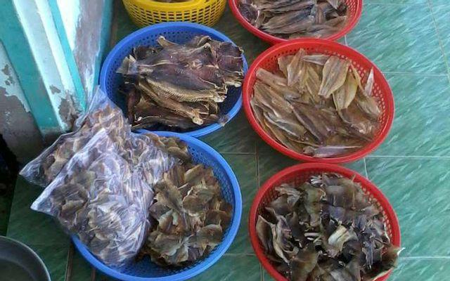 Tiệm Cá Khô Cầm