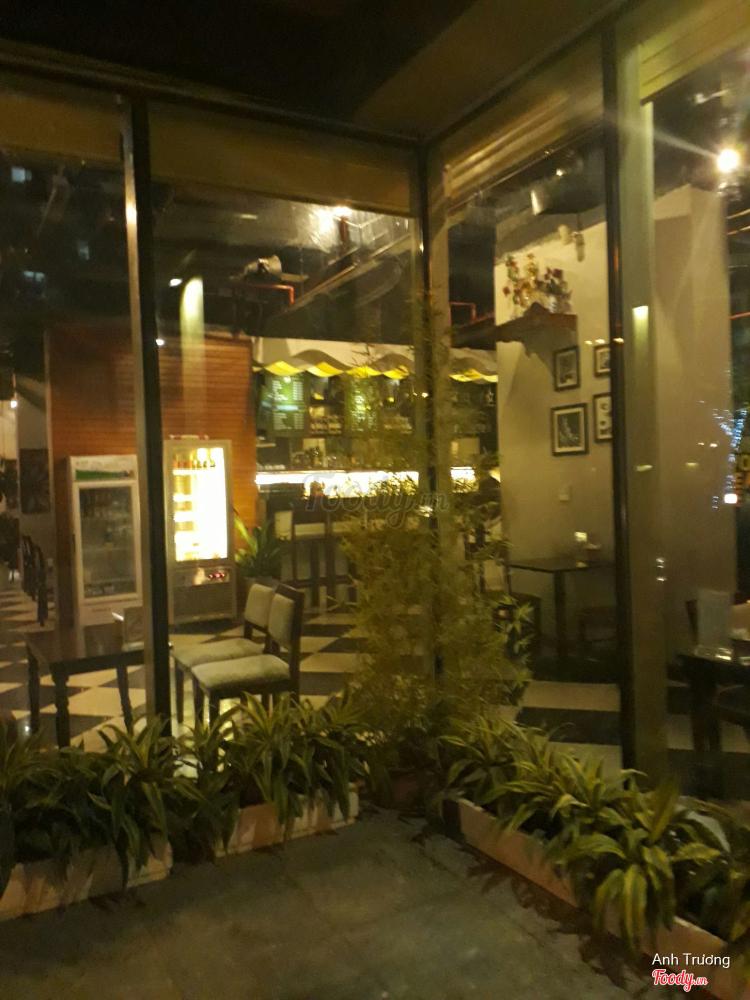 Urban Station Coffee Takeaway - Hoàng Minh Giám ở Hà Nội