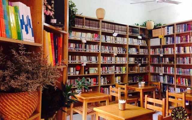 Kết quả hình ảnh cho mở quán cà phê sách