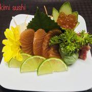 Sashimi cá hồi và trứng cá hồi