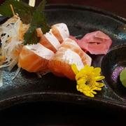 Sashimi bụng cá hồi