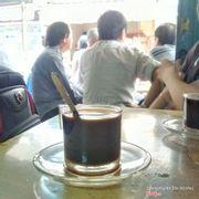 Jin Kool: Cafe lâu đời nhất Sài Gòn. Từ cách pha đến hưong vị cũng khác hẳn cafe thời bấy giờ.