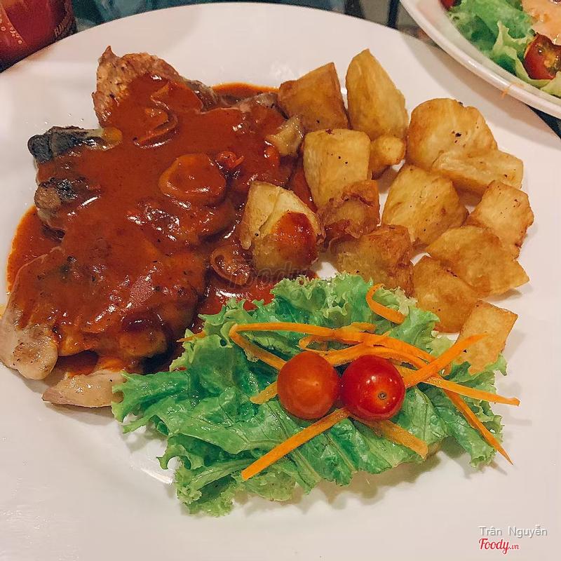 Chicken Steak with Tomyum sauce