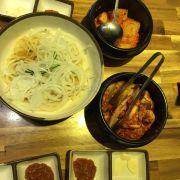 Kimchi :3 ăn hơi chua nên ko thích lắm :((
