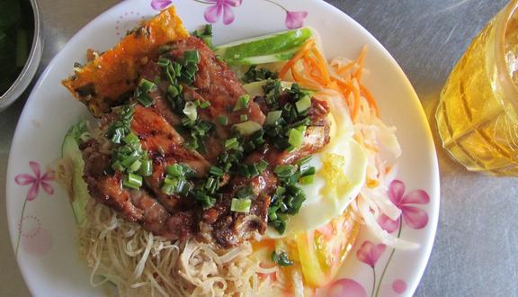 Cơm Tấm Thương - Nguyễn Thị Tần