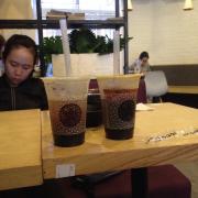 Trà xanh nho và hồng trà việt quất >w<