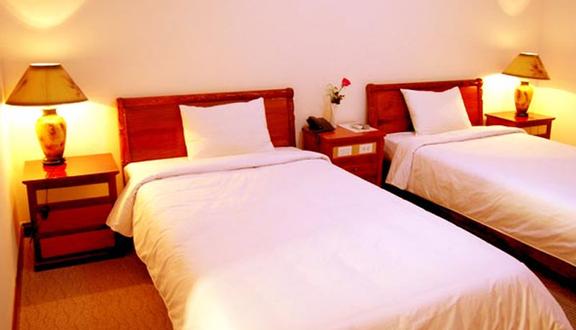Huệ Phạm Hotel