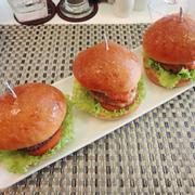 Set mini hamburger (bò, gà, cá hồi)
